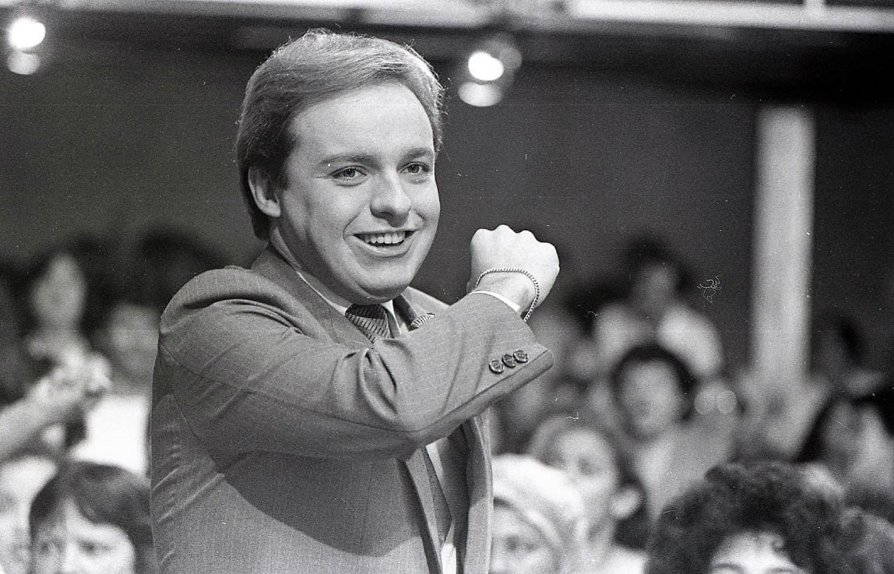 programa viva a noite em outubro de 1983 1554845729519 v2 1920x1233 - Brasil perde um de seus maiores apresentadores: Relembre a trajetória de Gugu Liberato - VEJA VÍDEOS