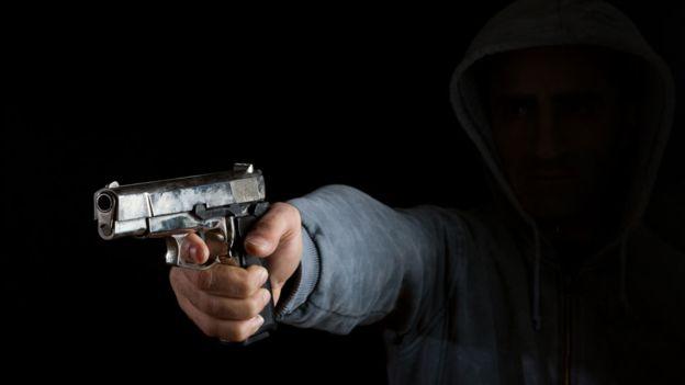 105861733 2 1 - Homem tenta assassinar outro no Centro de JP: 'traiu minha irmã'