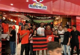 Goleiro Bruno publica foto em agradecimento ao carinho recebido dos fãs