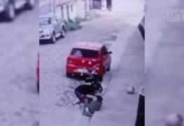 Vítima luta com criminoso durante assalto – VEJA VÍDEO