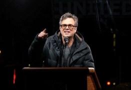 Após caso DiCaprio, Mark Ruffalo faz ligação entre Bolsonaro e queimadas