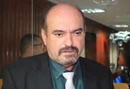Deputado Jeová Campos faz duras críticas a MP que restringe a autonomia das universidades