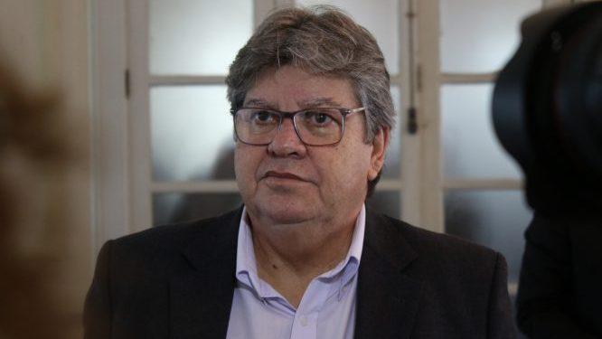 """JOAO 1 666x375 - ELEIÇÕES 2020: """"Não poderia impedir candidaturas de aliados, mas dessa escolha devem ser colhidos o ônus e o bônus"""", afirma João Azevêdo"""