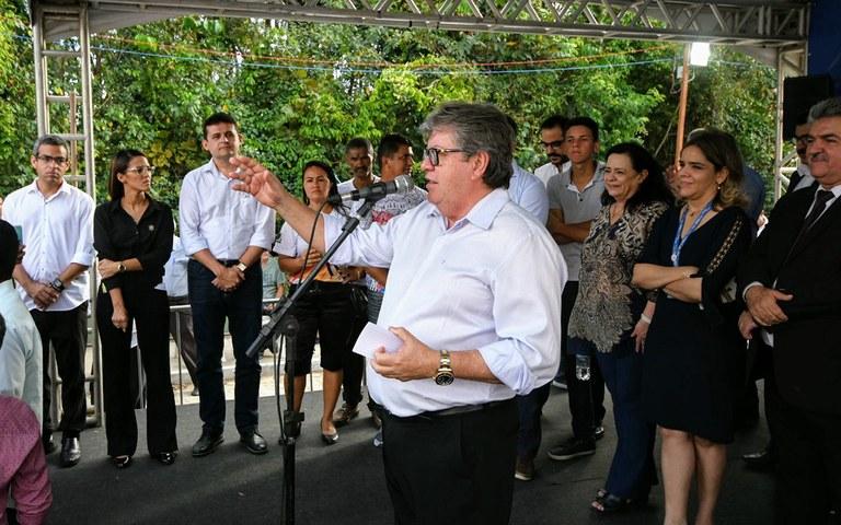 JOAO CASAS - Em solenidade, João Azevêdo diz que 'o povo' é seu 'único e exclusivo' patrão; VEJA VÍDEO