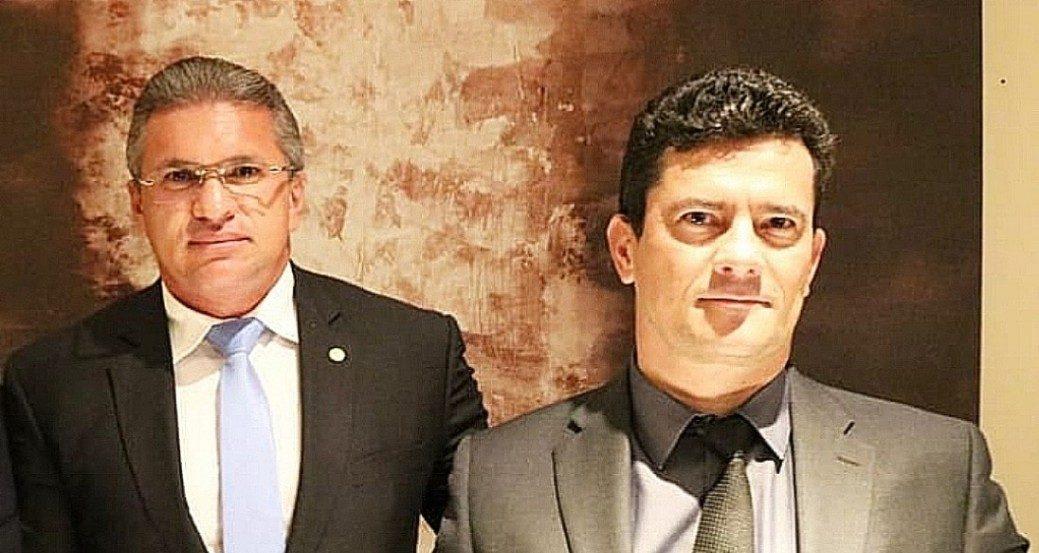 WhatsApp Image 2019 12 25 at 19.24.45 e1577313830315 - SANÇÃO PRESIDENCIAL: Julian Lemos chama de 'esdrúxulo' texto que cria 'juiz de garantias' e publica foto ao lado de Sérgio Moro