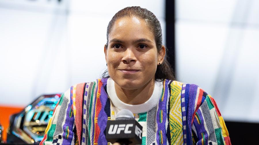 amanda nunes em coletiva de imprensa em las vegas nos eua 1576106968304 v2 900x506 - Amanda Nunes não sabe o que fará após 'zerar' duas divisões do UFC