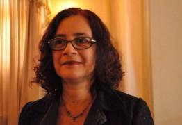 Gilberta Soares entrega carta de demissão da Secretaria da Mulher