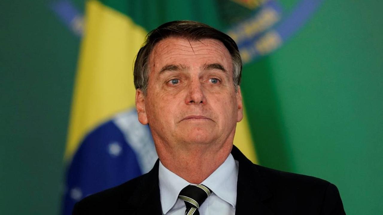 eleitores pulam barco bolsonaro - Bolsonaro afirma que resultado de biópsia não apontou câncer de pele