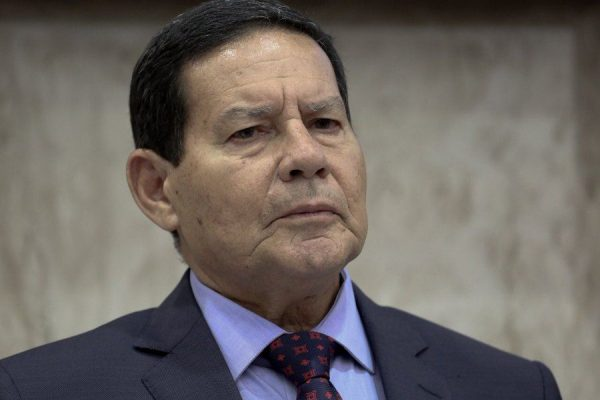 general mourao 600x400 - Mourão defende nova CPMF para financiar Renda Brasil