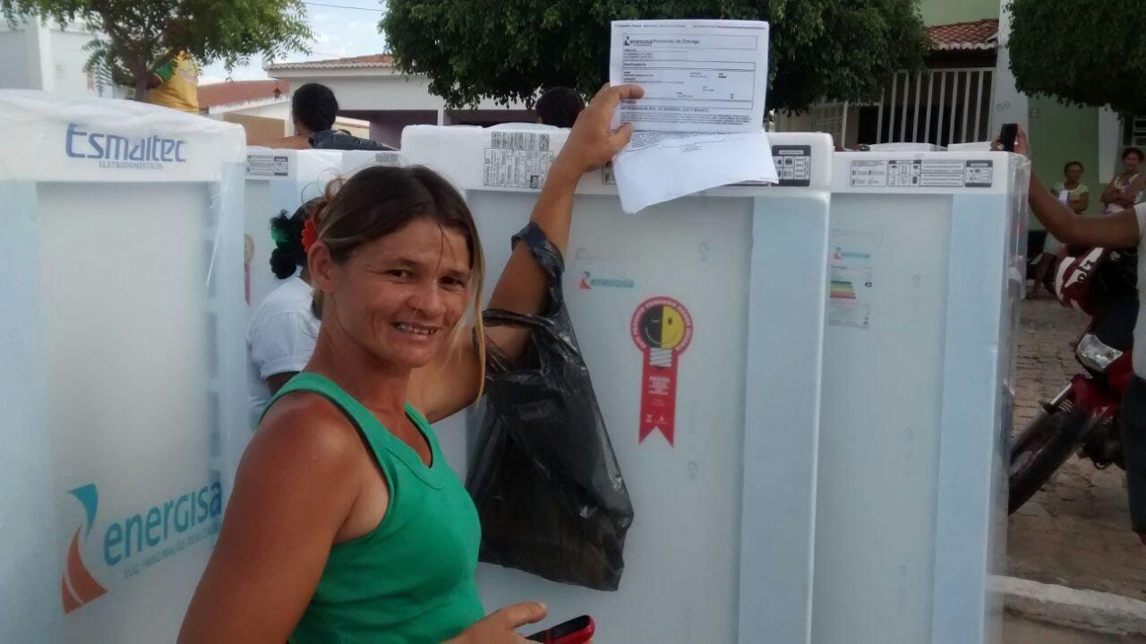 maxresdefault - Famílias do bairro do José Pinheiro irão receber 100 geladeiras da Energisa