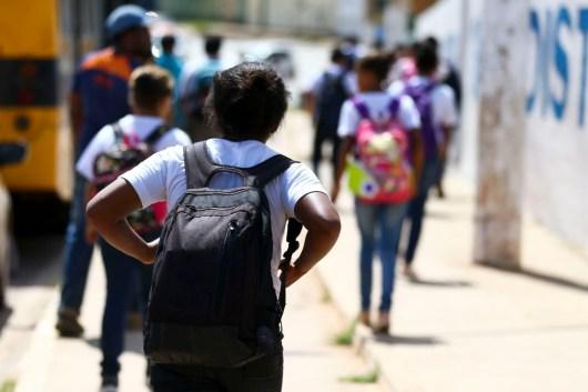 mcamg abr 10052019 9636 2 300x200 - 2% dos alunos brasileiros têm nota máxima em avaliação internacional