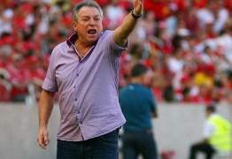 Vasco acerta contratação do técnico Abel Braga