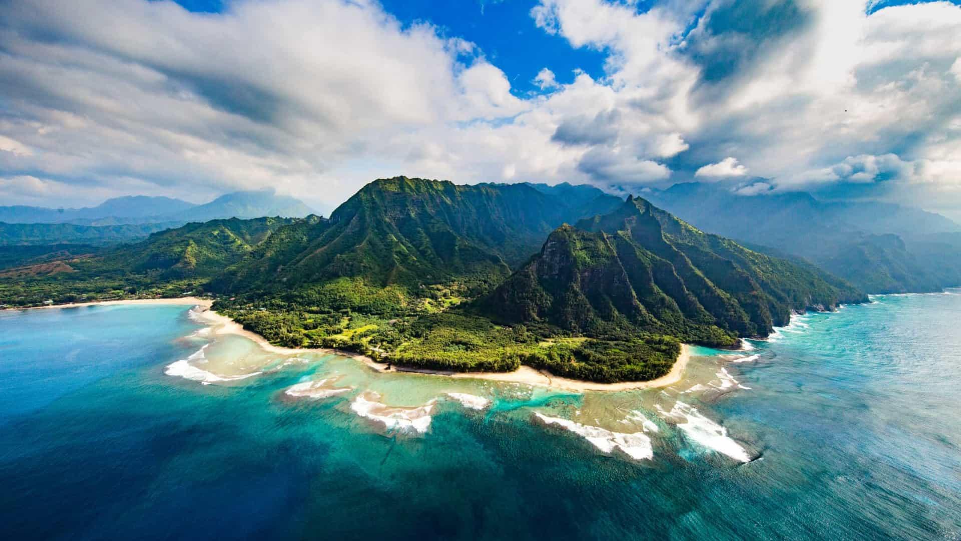 naom 5e05eb52c8a20 - Helicóptero de turismo desaparece no Havai com sete pessoas a bordo
