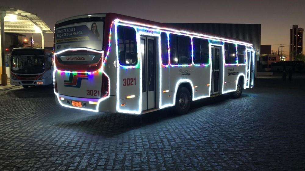 onibus natalino - Ônibus com decoração natalina começa a circular em Campina Grande