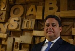 Presidente da OAB diz que quem apoia Bolsonaro tem 'desvio de caráter' e depois volta atrás