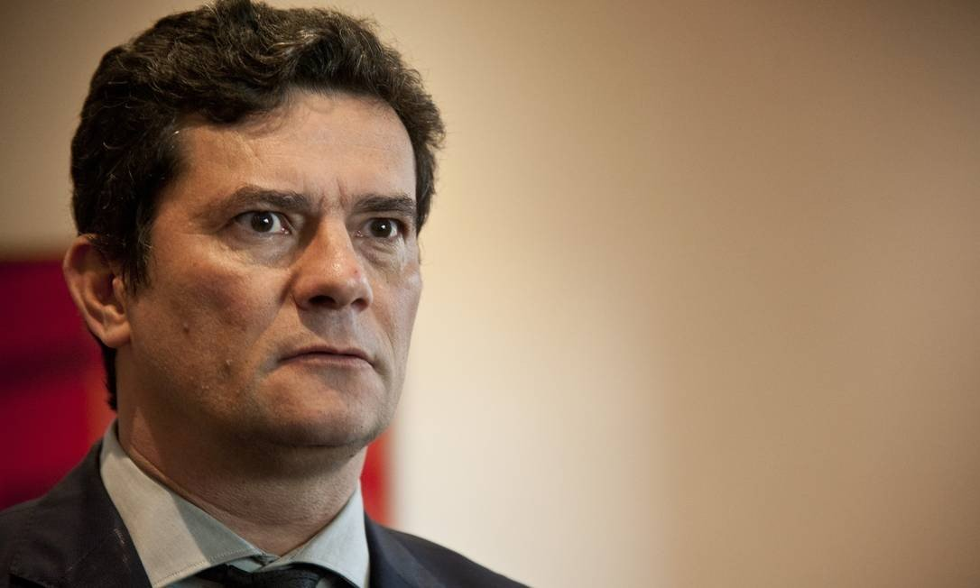 xMoro.jpg.pagespeed.ic .5X2YxBb9of - Moro deve ignorar fritura de Bolsonaro e manter agenda de exposição pública