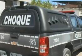 Adolescente é detido após sequestrar mulher e trocar tiros com a polícia