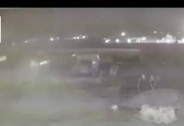Imagens mostram que dois mísseis atingiram avião no Irã; VEJA VÍDEO