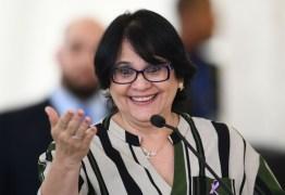 'Me prove que uma vagina de 12 anos pode ser possuída todo dia': Ministra Damares argumenta sobre campanha do governo