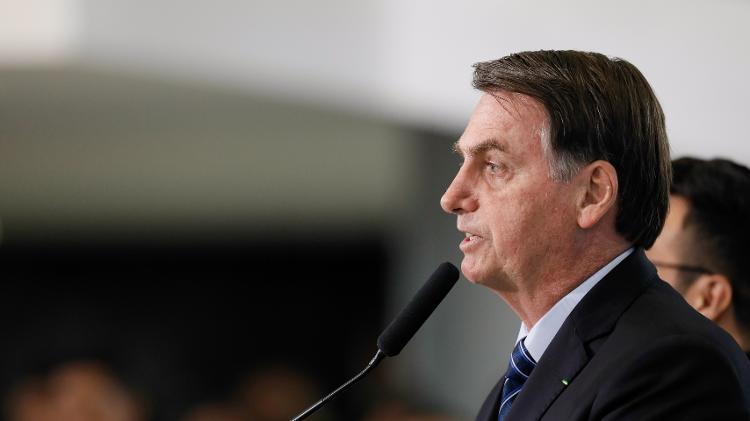 3out2019 o presidente da republica jair bolsonaro 1570195678628 v2 750x421 - Bolsonaro diz que taxa de energia solar será barrada: 'A decisão é minha, ninguém mais fala no assunto'