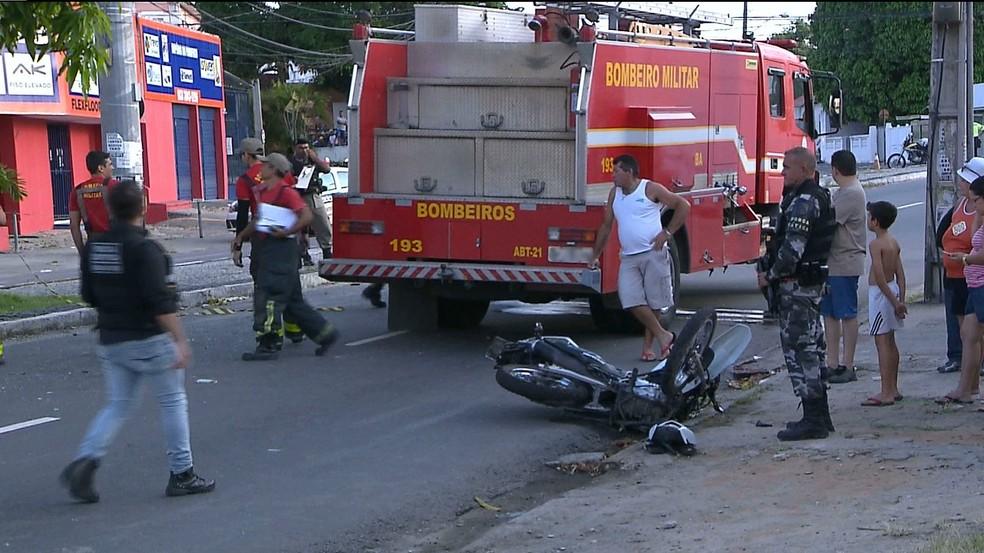 acidente centro - COLISÃO: Acidente envolvendo motos deixa homem em estado grave em João Pessoa