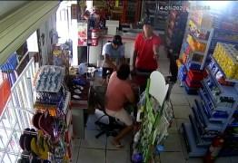 Dois homens compram pão e em seguida assaltam padaria em Mangabeira – VEJA VÍDEO