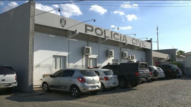 central de policia civil campina grande 300x169 - Casal é suspeito de atirar contra família após chute no portão de casa, em Campina Grande