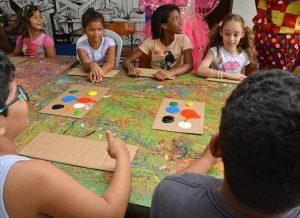 colôniadeférias centrocultmangabeira foto dayseeuzebio 21 300x218 1 - PMJP dá início à colônia de férias para mais de 14 mil crianças da rede municipal