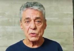 Chico Buarque diz que país é governado por 'loucos' – VEJA VÍDEO