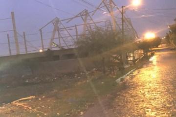 img 20200109 wa0005 - Estrutura metálica de quadra esportiva desaba devido as fortes chuvas em Patos