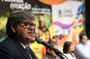 joao azevedo José Marques secom pb 300x196 - NA ALPB: Procuradoria recomenda arquivamento do pedido de impeachment de João Azevêdo