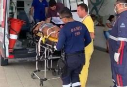 CAIU DA JANELA: Mulher é socorrida pelo Samu após cair do segundo andar de prédio