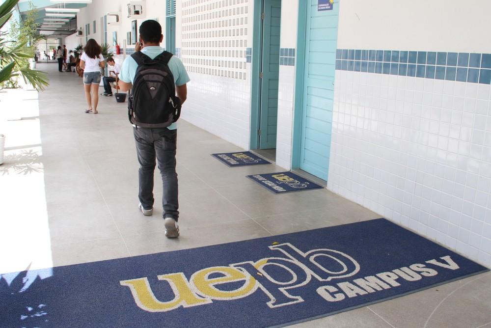 uepb campus v. pag.pagina 3 cad.caderno 1 francisco franca 219488 - UEPB divulga editais de seleção para professores de línguas substitutos, em João Pessoa