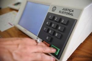 urna menor 300x200 - NESTE DOMINGO: município maranhense faz dia de eleição suplementar para prefeito