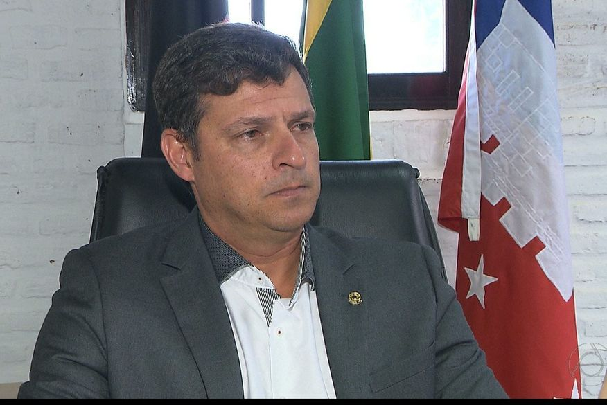 vitor hugo prefeito de cabedelo - LEI DA CÂMARA MUNICIPAL: Cabedelo aciona STF para manter reajuste de secretários e 13º de prefeito