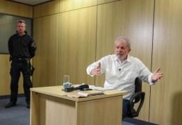 Editoras procuram agente da PF que cuidou de Lula na prisão com interesse em livro