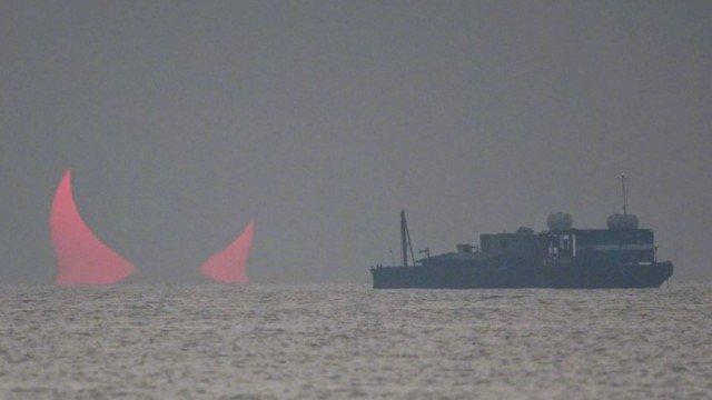 xblog devil 1.jpg.pagespeed.ic .jO8PBnuQgG - Fotógrafo registrou 'chifres do Diabo' no horizonte do Golfo Pérsico