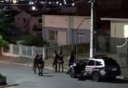 TERROR E CAOS: Criminosos explodem agência dos Correios e fazem refém em Boqueirão