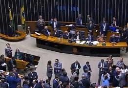Por maioria dos votos, deputados derrubam decisão do STF e Wilson Santiago volta para a Câmara Federal
