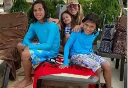Ex de Hulk curte férias no Caribe com filhos: 'Que seja nós quatro'