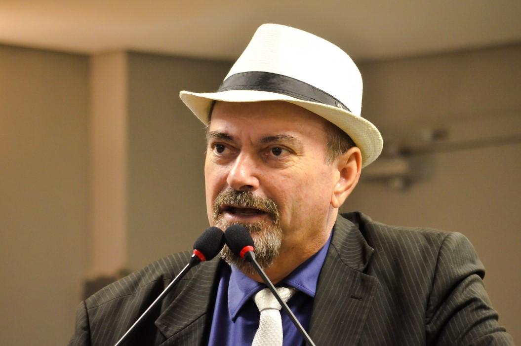 Deputado Jeová Campos diz que decisão da Procuradoria foi a mais acertada - Deputado Jeová Campos parabeniza Procuradoria Jurídica da ALPB que recomendou arquivamento do impeachment de João e Ligia
