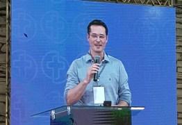 'NÃO VOU DESISTIR': Dallagnol é aplaudido de pé na 'Consciência Cristã' ao revelar superação na Lava-Jato e criticar deputados 'maquiavélicos'; VEJA VÍDEO