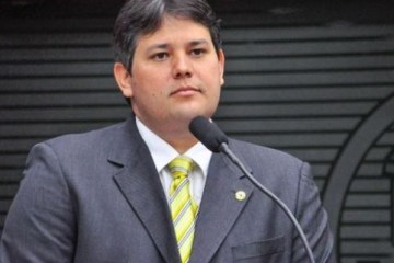 dinaldinho - Promotora de Justiça pede arquivamento de ação contra Dinaldinho