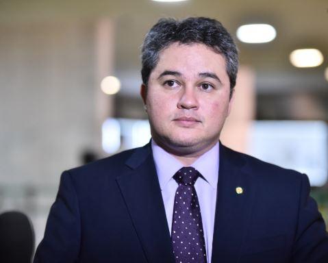 ef - Efraim Filho não acredita na aprovação de reforma administrativa esse ano