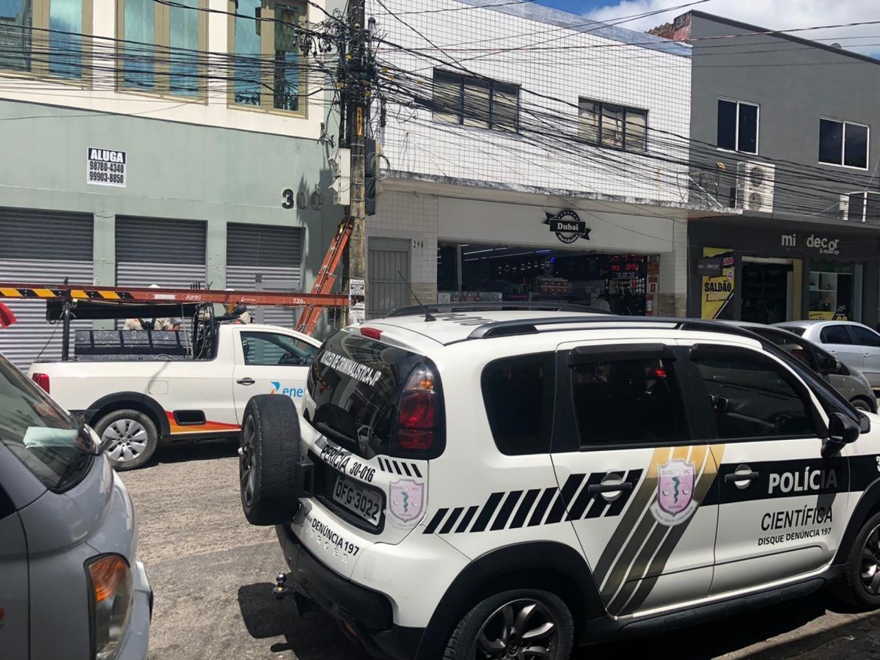 energisa e policia civil ralzam acao no centro de joao pessoa 01 - Energisa e Polícia Civil realizam operação e flagram ligações clandestinas de energia, em João Pessoa