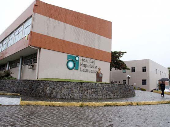 hoapital laureano 556x417 - Projeto do prefeito Chico Mendes que destina ajuda anual de R$ 24 mil ao Napoleão Laureano, é aprovado pela Câmara Municipal