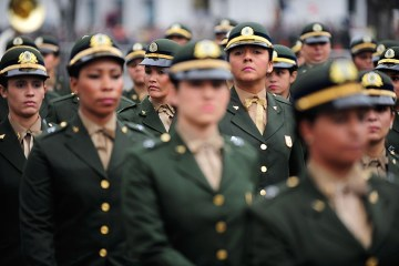 imagem materia - ELAS DE FARDA: Permissão para que mulheres prestem serviço militar aguarda análise
