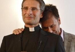 Gelo no pênis, exorcismo e medo; os padres gays silenciados pela Igreja no Brasil