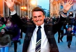 'HISTERIA': Bolsonaro minimiza crise e afirma que governadores estão prejudicando economia com medidas contra coronavírus