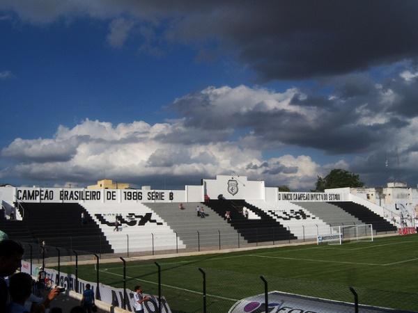 Presidente Vargas - Treze coloca estádio em Campina Grande à disposição no combate ao Coronavírus